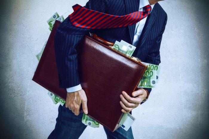 加密貨幣市場下跌300多億美元,比特幣價格回落至7,400美元