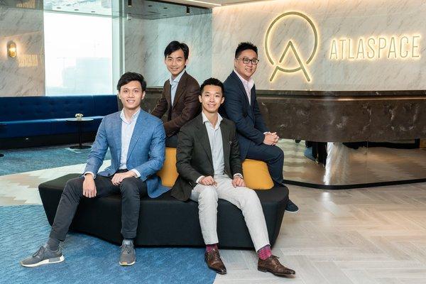 Liquefy首席執行官賴譽芹 (前右) 、首席產品官吳周瑜 (前左) 、首席運營官楊進傑 (後右) 、總法律顧問潘則辰 (後左)