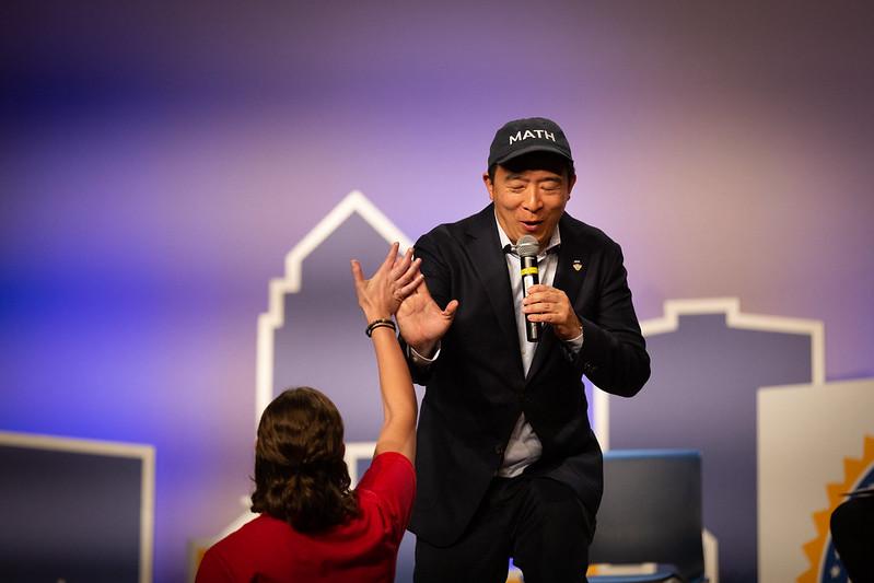 竞选总统也发币? 美华裔候选人杨安泽发行竞选代币 MATH