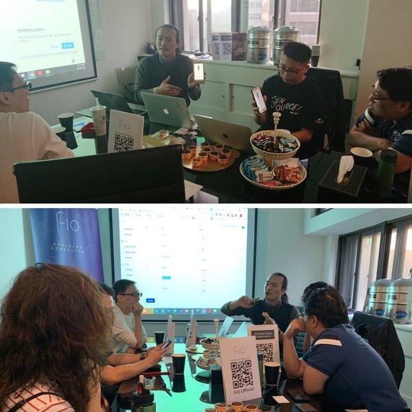 FiO 技術長戴志洋說明產品概念並展示後台、現場示範操作